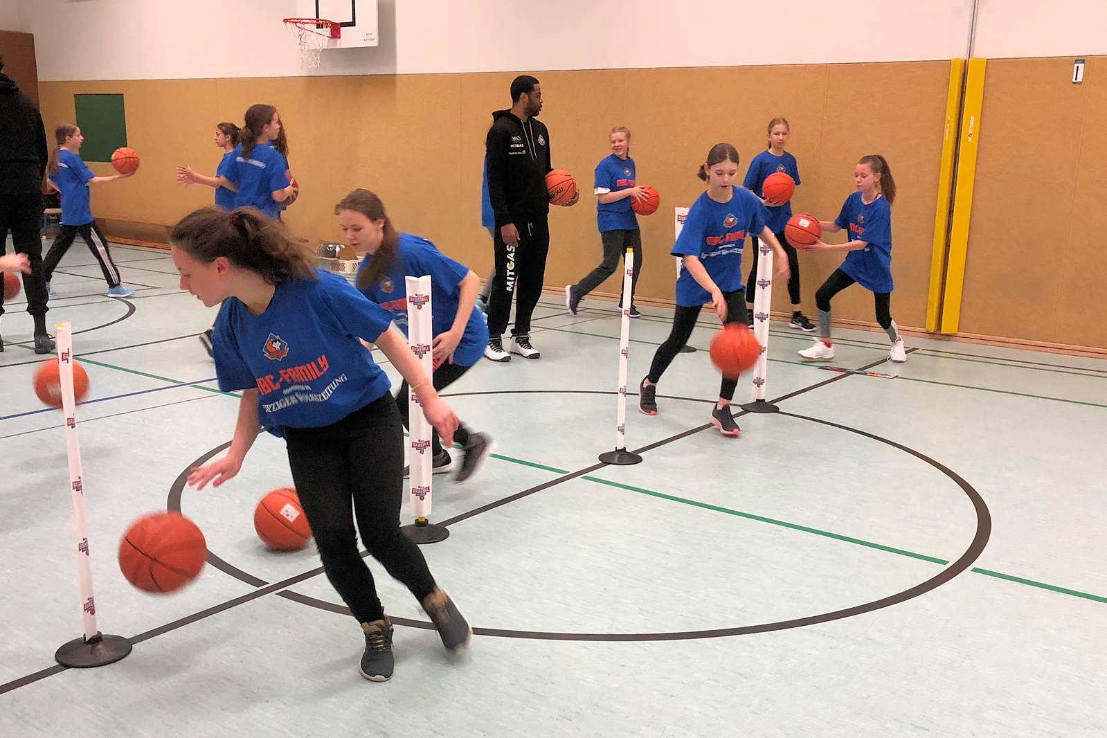 new product 64d9e 84b6f kinder+Sport Basketball Academy lockt nach Leipzig - MBC
